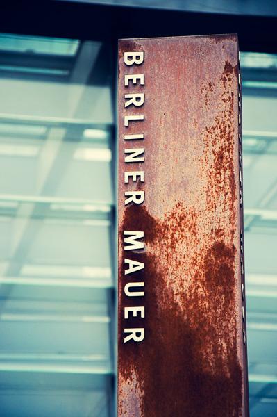 """Denkmal """"Berliner Mauer"""" am Potsdamer Platz"""